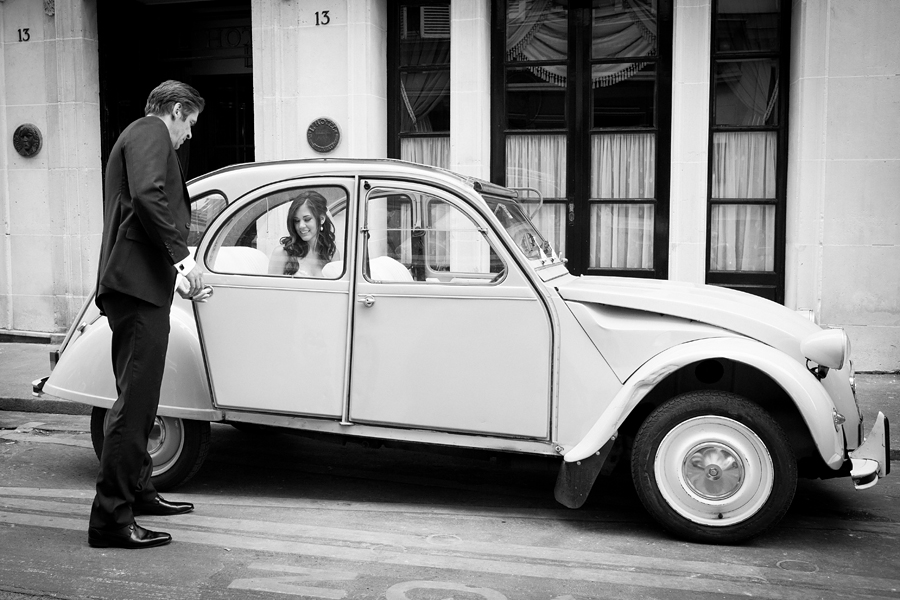 going to take the portraits around Paris on a 2 CV car