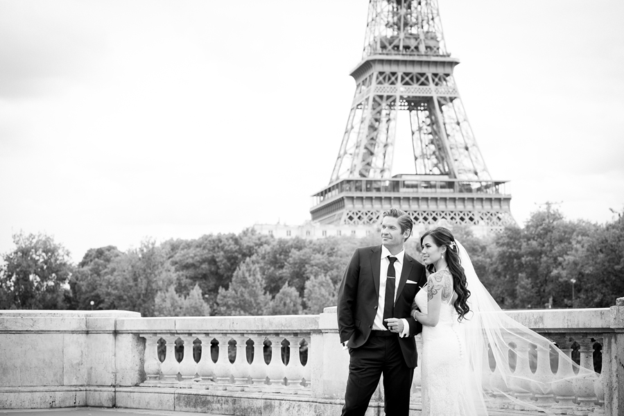 wedding on Pont Bir hakeim